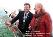Alan Titchmarsh unveils Robin Hill mosaic with IA trustee Anne Turner